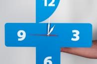 Фирменные часы на стену